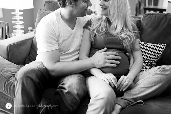 Minneapolis Maternity Photographer Belly Hand