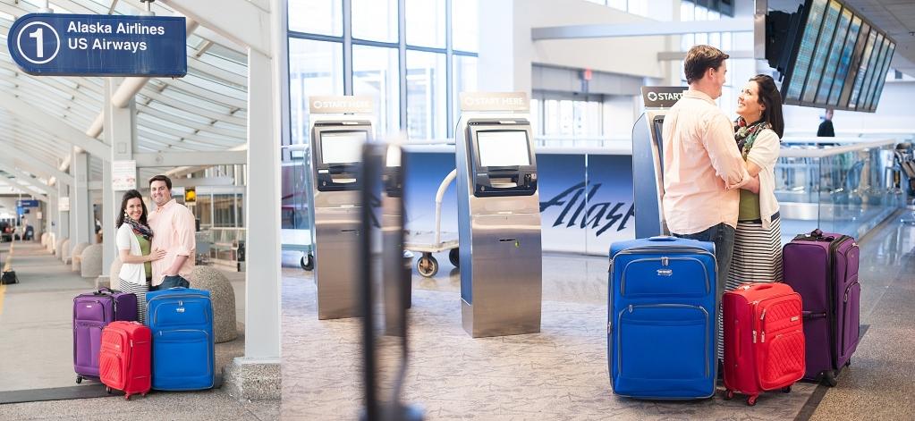 Minneapolis Airport Photographer Pregancy Family
